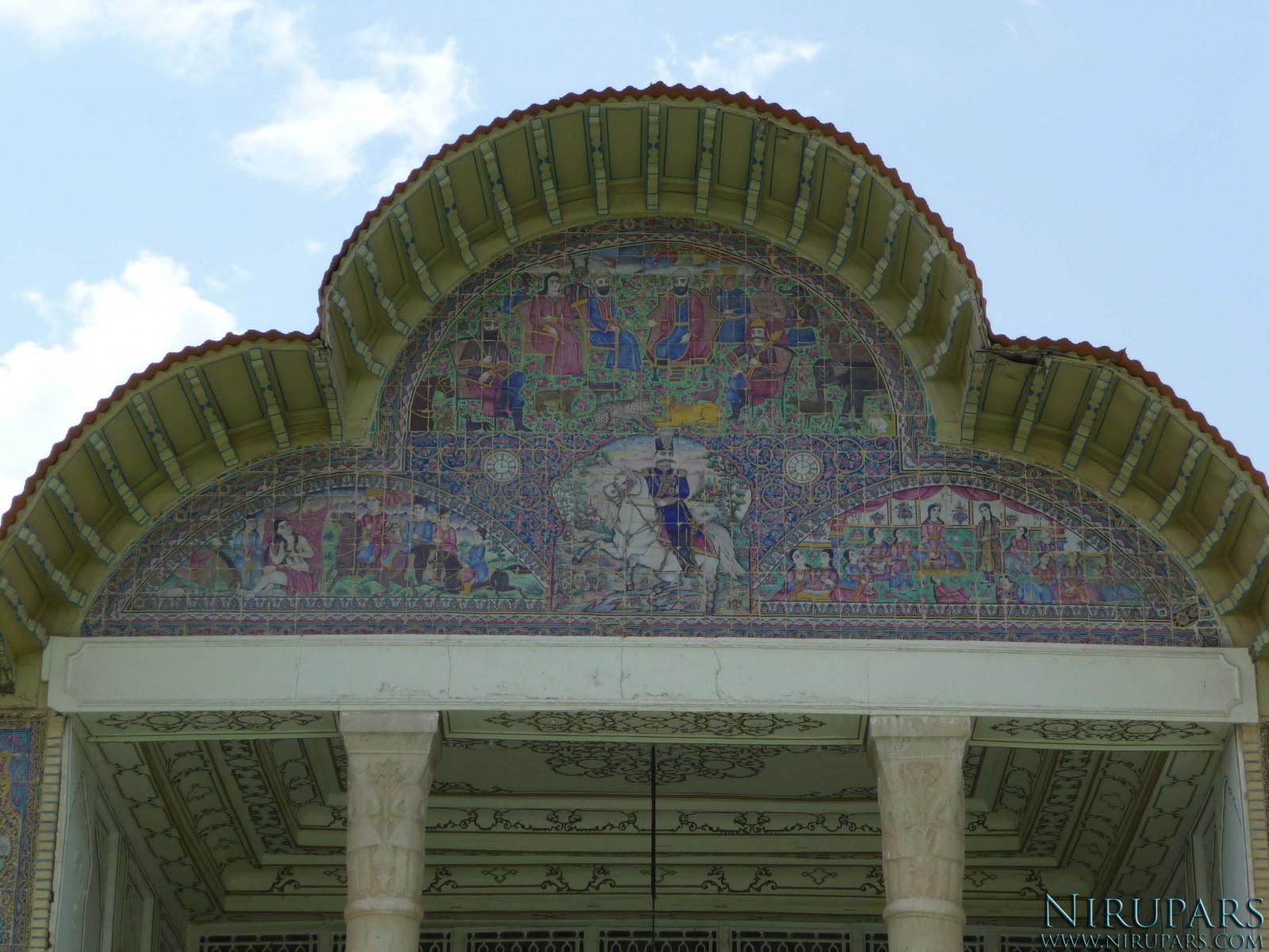 Baq-e Eram - Building - Pediment painting