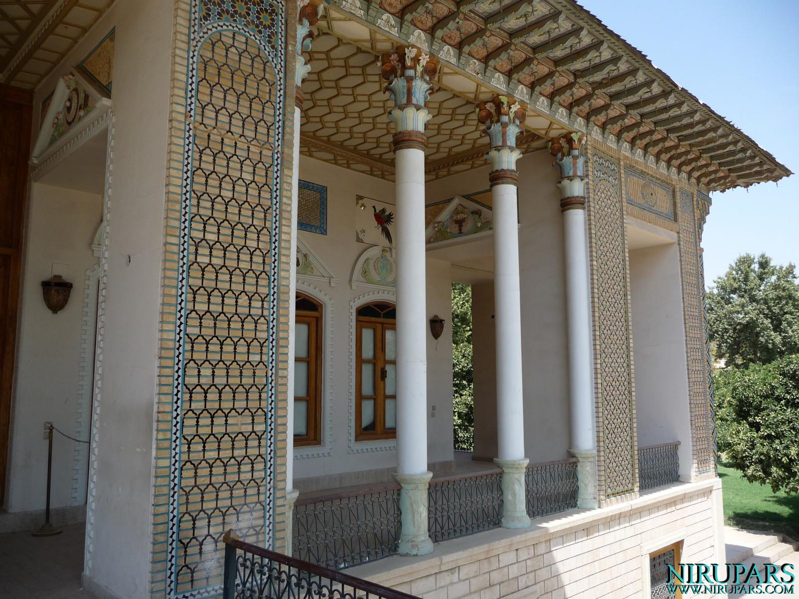 Baq-e Afifabad - Building - Front Facade - Balcony Right