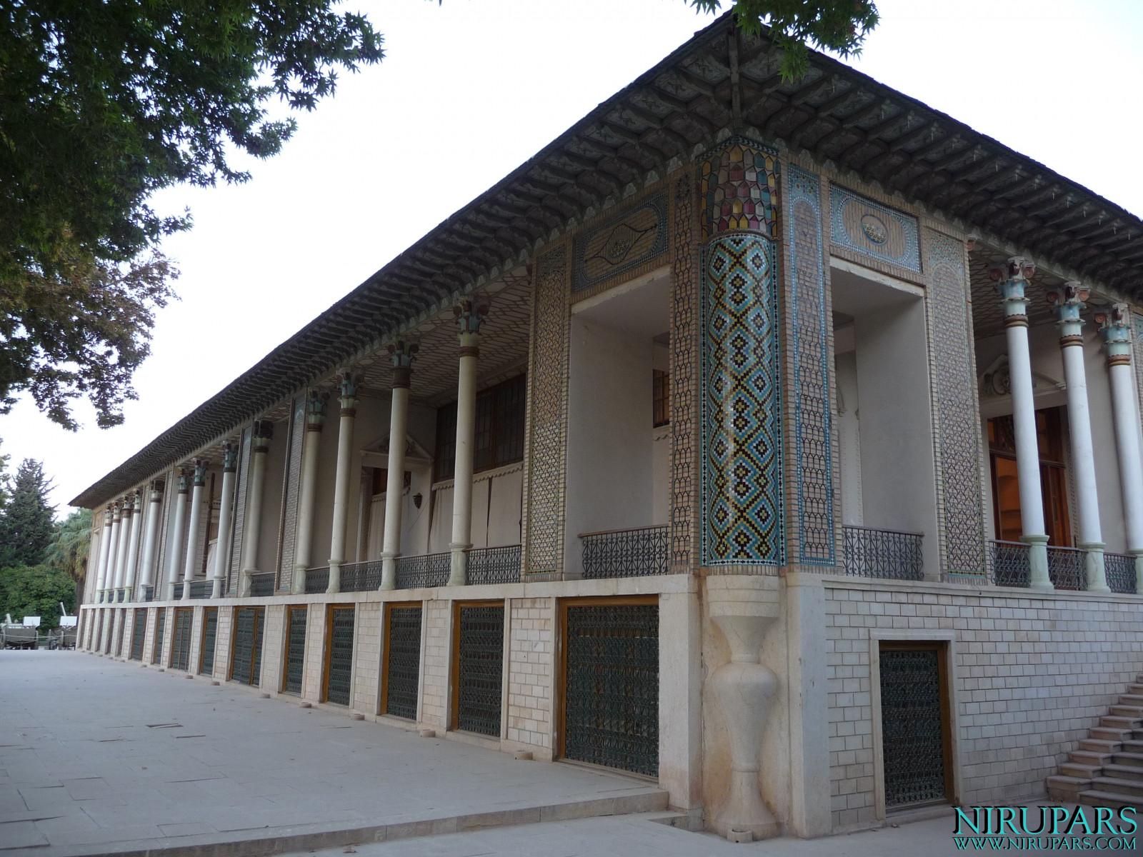 Baq-e Afifabad - Building - Right