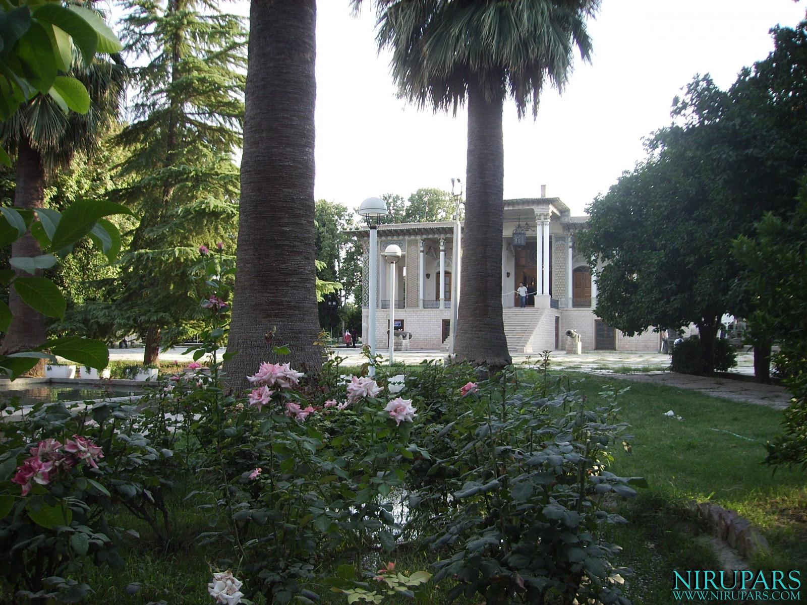 Baq-e Afifabad - Garden