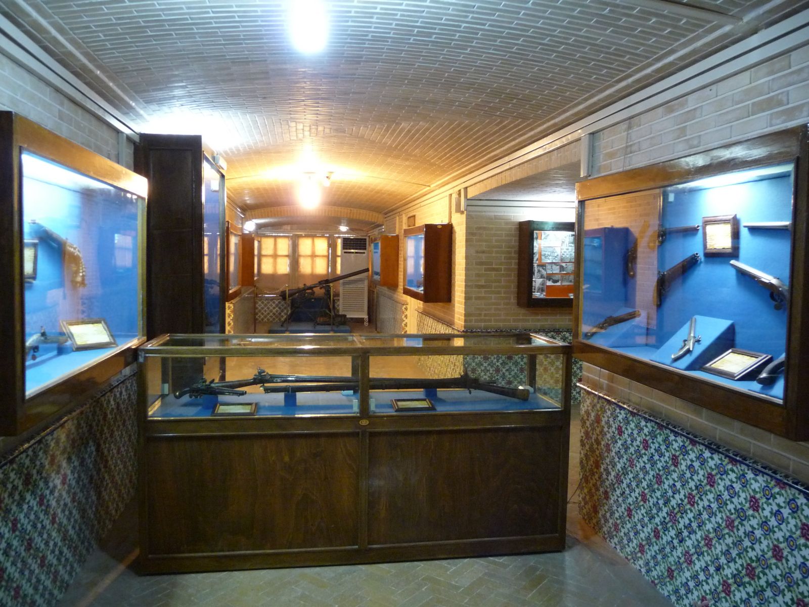 Baq-e Afifabad - Museum - Muskets Pistols