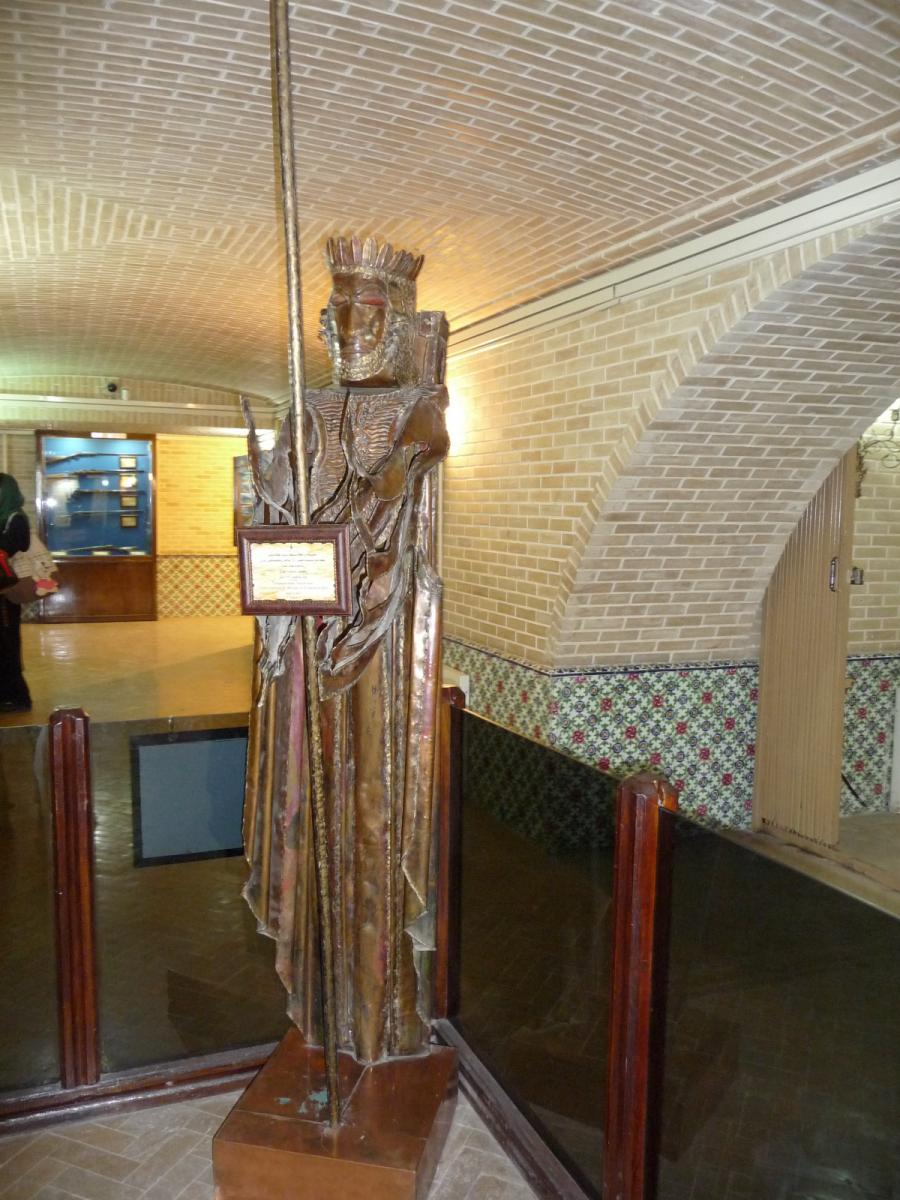 Baq-e Afifabad - Museum - Statue Achaemenian Soldier 2500 Celebration
