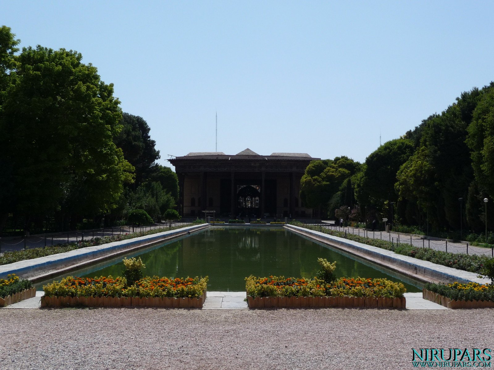 Chehel Sotun - Palace and Garden