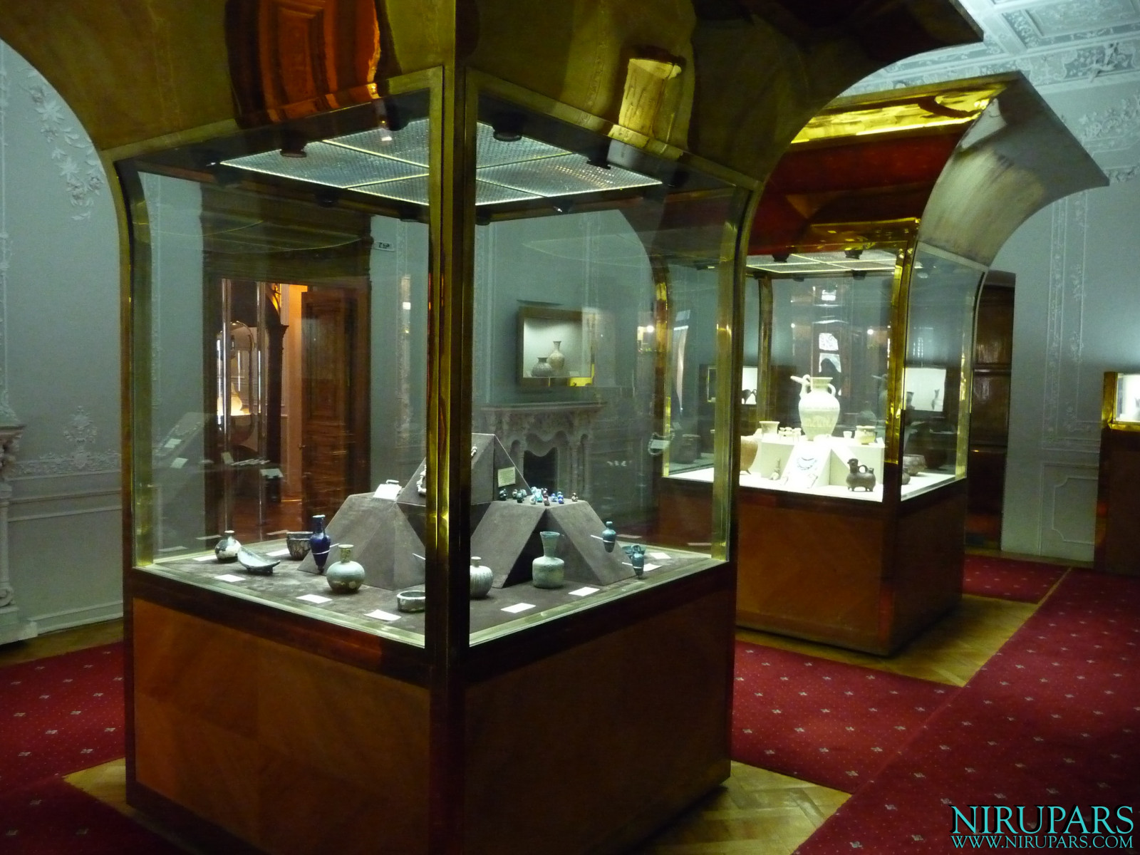 Glassware and Ceramic Museum - Abgineh
