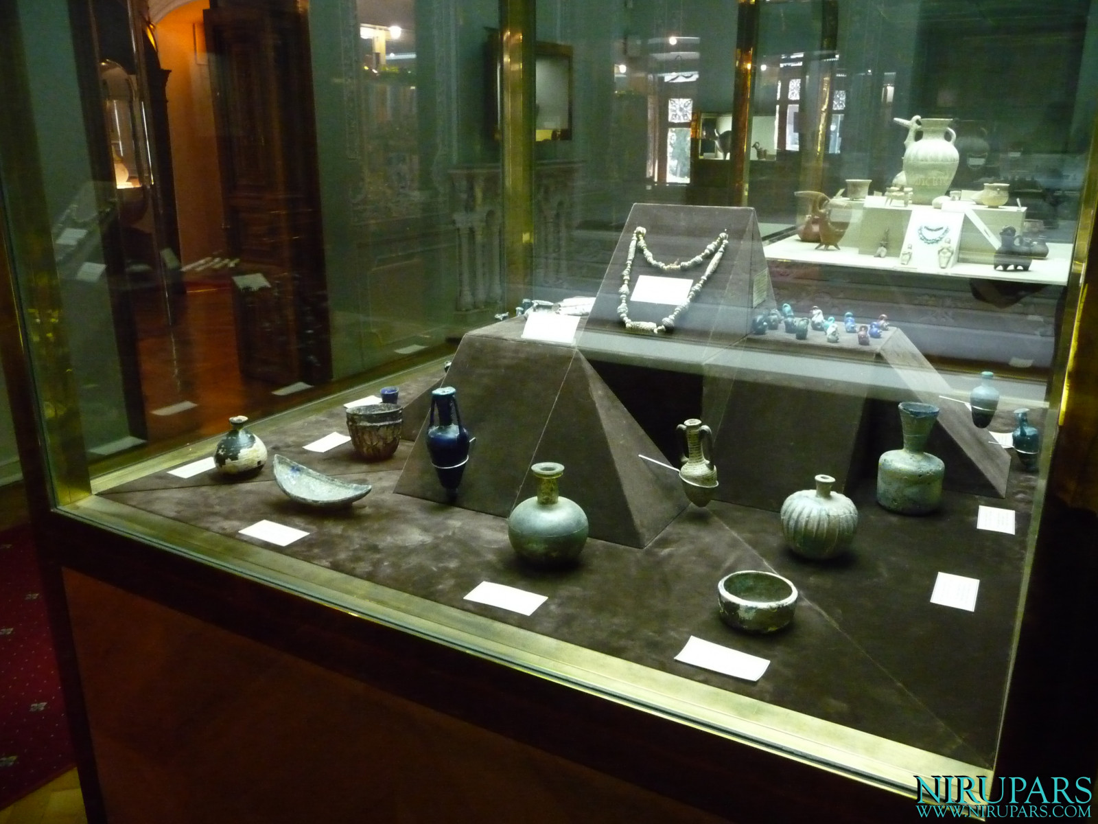 Glassware and Ceramic Museum - Vessels
