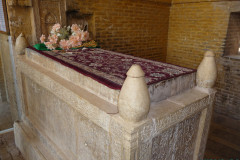 Monar Jonban - Tombstone Amu Abdollah Soqla
