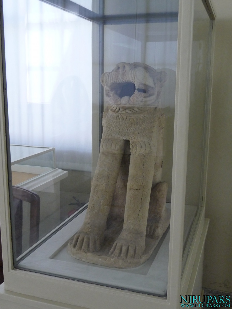 National Museum of Iran - Pottery Statue Lion