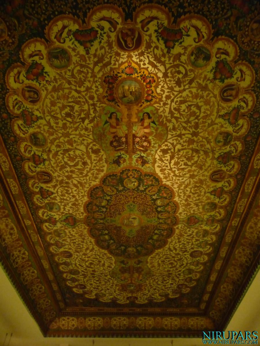 Niavaran Palace Complex - Jahan Namah Museum