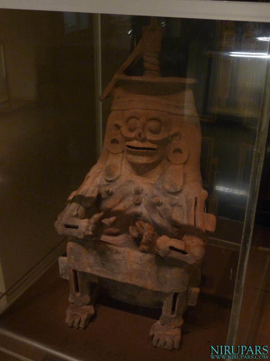 Niavaran Palace Complex - Jahan Namah Museum - Sculpture