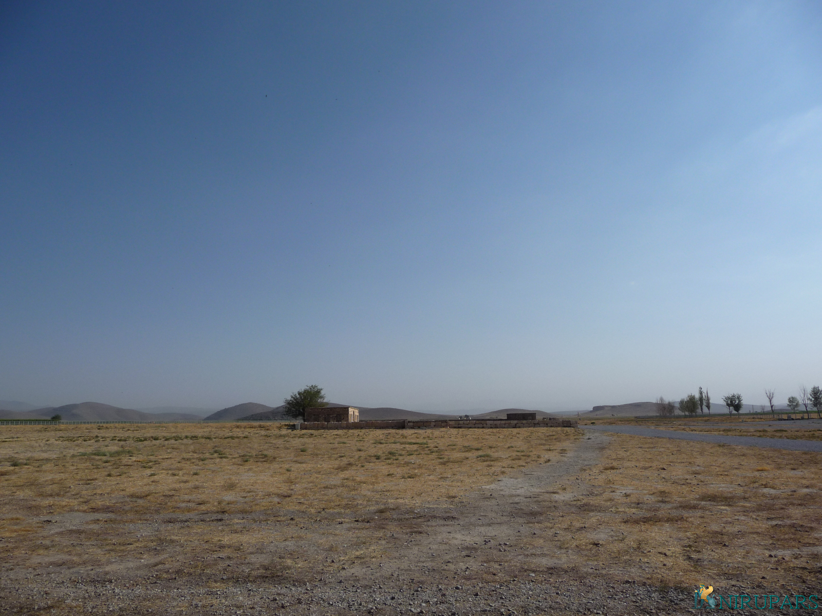 Pasargadae - Caravanserai - Ruins