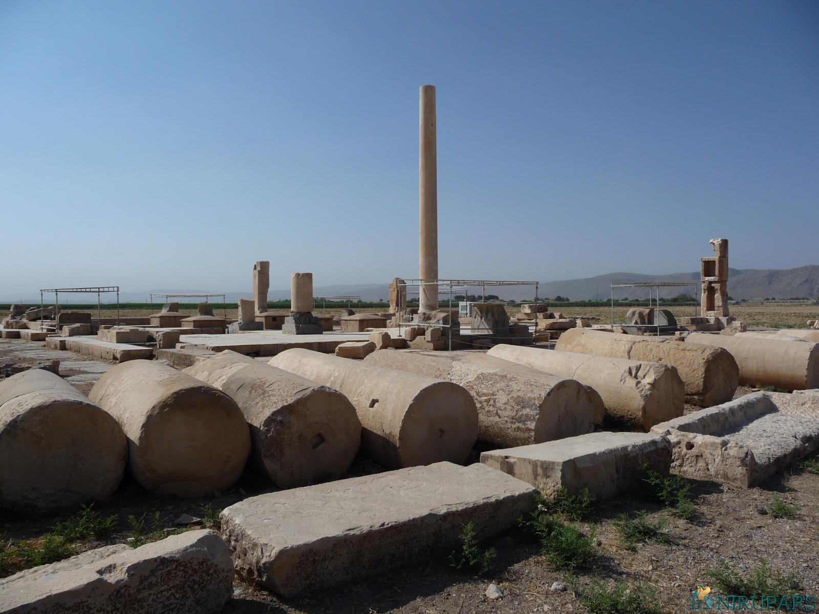 Pasargadae - Palace S - Stone Pillars