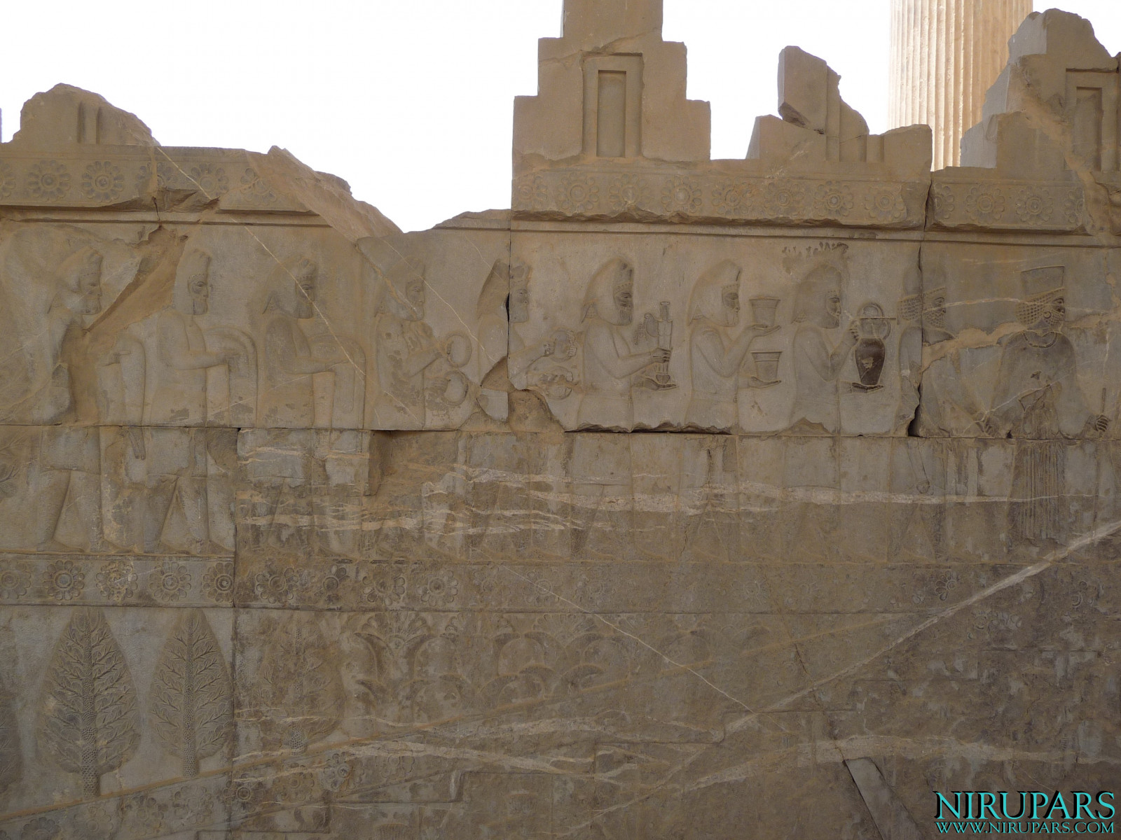 Persepolis - Apadana - East Portico - Delegation Media