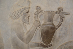 Persepolis - Apadana - East Portico - Delegation Armenia - Amphora