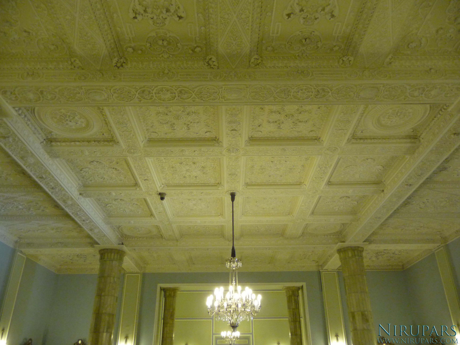 Sadabad Palace Complex - White Palace - Entrance Hall - Ceiling
