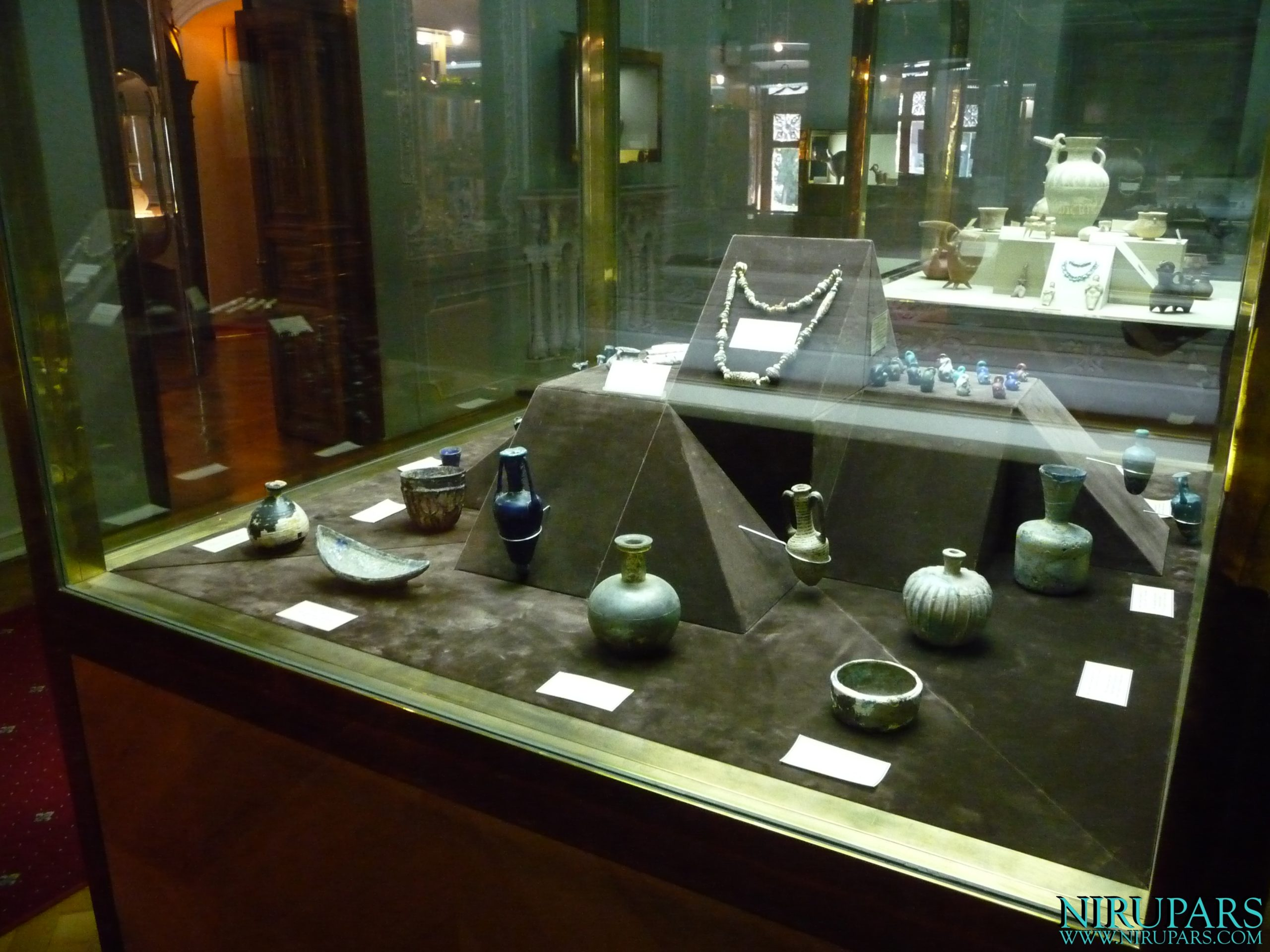 Glassware and Ceramic Museum